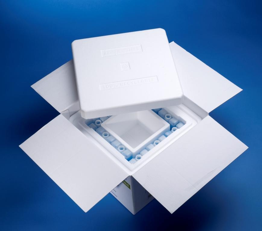 Envase diseñado para el transporte en frio  de reactivos o similares