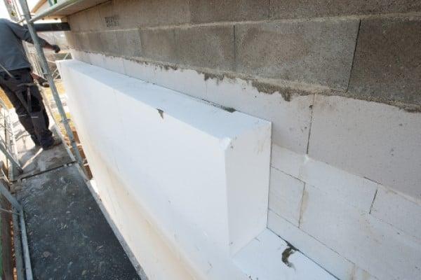 1. Knauf Therm ETIX es nuestra solución de placa para aislamiento térmico por el exterior de corte.